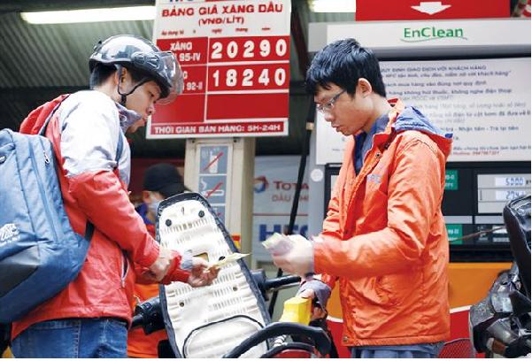 Giá xăng dầu tăng đạt mốc kỷ lục