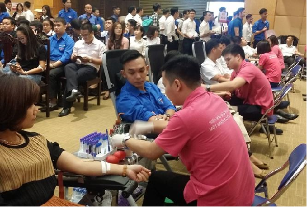 Ngày hội hiến máu thu hút hàng trăm sinh viên tại Bạc Liêu