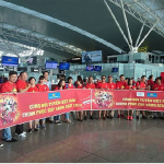 Người hâm mộ Việt Nam cổ vũ bóng đá tại Asiad
