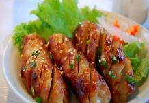Nem nướng món ngon ở siêu ngõ ẩm thực Hà Nội