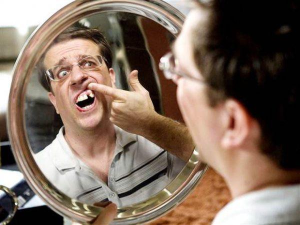 Mơ thấy gãy răng là điềm báo gì?