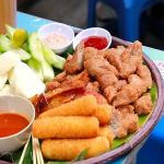Món ăn nóng hổi thu hút giới trẻ Hà Thành ngày mưa lạnh