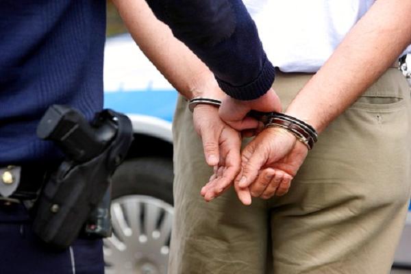 Sàm sỡ phụ nữ trong thang máy, bị đánh roi phạt tù