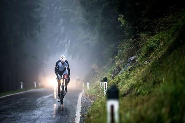 Thời tiết là yếu tố ảnh hưởng nhiều đến quá trình đạp xe đạp ngoài trời